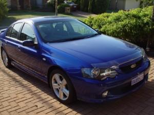 blue-ford-falcon-ba-xr6-car_w725_h544